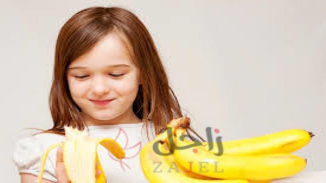10 أطعمة يستطيع الطفل تناولها بنفسه