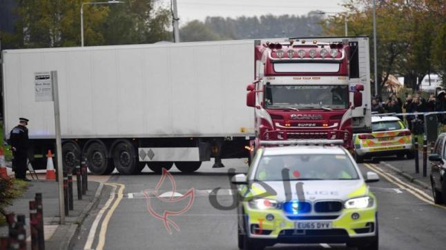 اعتقال رجل بعد العثور على 15 شخصًا أحياء في شاحنة في ويلتشير