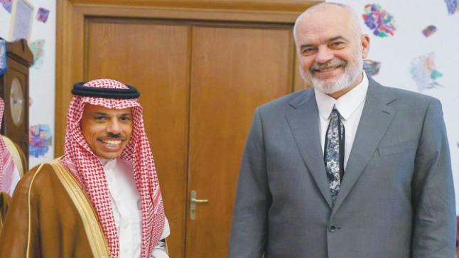 وزير الخارجية السعودي يلتقي رئيس الوزراء الألباني في تيرانا