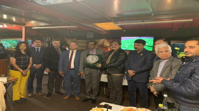 محمد العطي يقيم مادبة غداء على شرف السفير الباكستاني