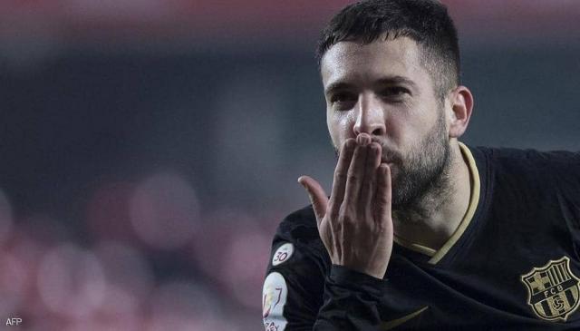 """صخرة دفاع برشلونة يعلّق على فرص فوز فريقه بـ""""الليغا"""""""