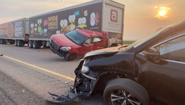 عاصفة رملية في الولايات المتحدة تاسبب بإصطدام 20 سيارة
