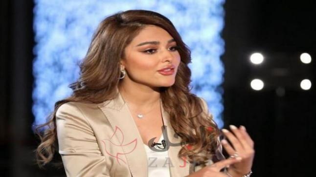 عارضة أزياء من اصول عربية تثير موجة غضب واسعة بما فعلته أثناء استماعها للقرآن الكريم