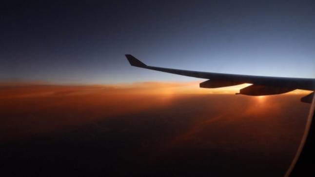 احتراق طائرة فى الولايات المتحدة بسبب اصطدامها بطائرة آخرى