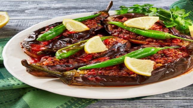 باذنجان محشو باللحم بالفرن من المطبخ التركي