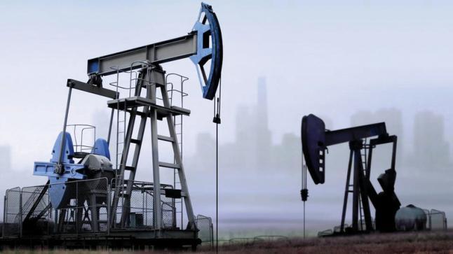 النفط يتعافى بعد هبوطه بسبب الرسوم الأميركية
