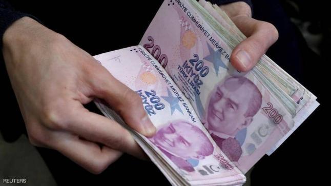 أردوغان يقيل نائب محافظ البنك المركزي.. والليرة تترنح