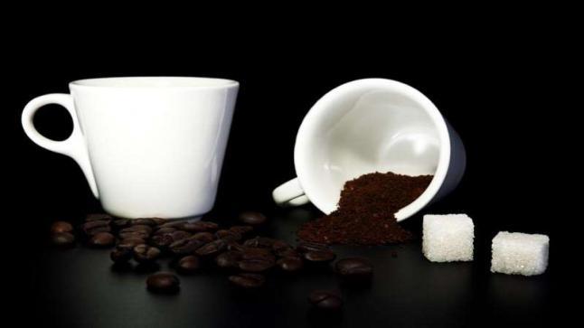 القهوة والسكر لتجديد وشدّ البشرة