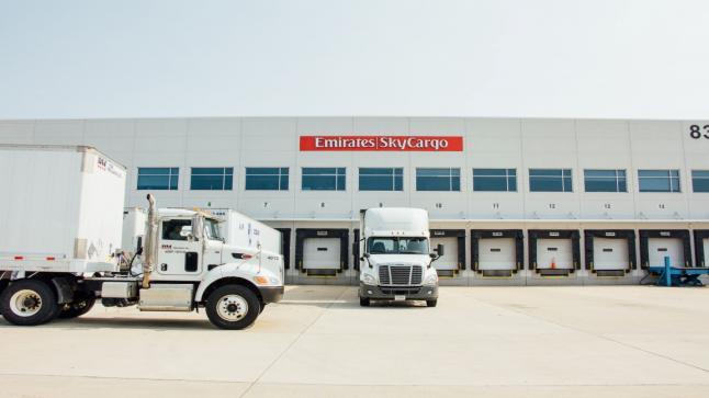 الإمارات للشحن الجوي تطور قدراتها في نقل ومناولة الأدوية