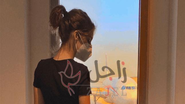 بيروت كسرتي قلبنا… هجرة أيلا محبوبة العرب مع والدتها عارضة الأزياء البنانية الشهيرة نور عريضة