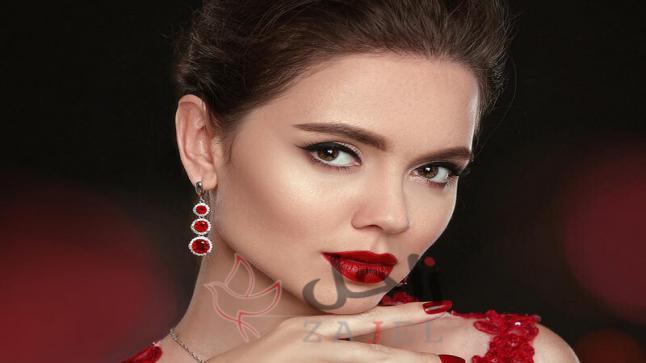 لإطلالة تتسم بالأناقة والفخامة ارتدي هذه الاقراط الحمراء