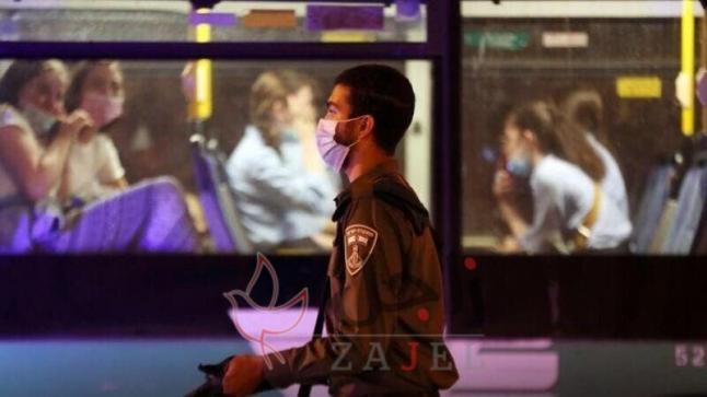 إغلاقا شاملا مدته ثلاثة أسابيع فرضته إسرائيل لاحتواء فيروس كورونا