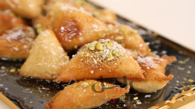 اطهي الذ حلى محشي بالجبن الكريمي المقلي